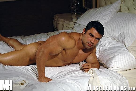 Resultado de imagem para Eduardo Correa[ naked